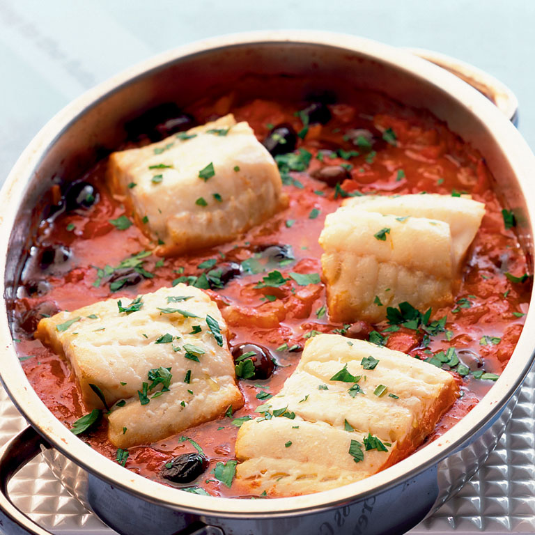 One-pot fish with black olives and tomato